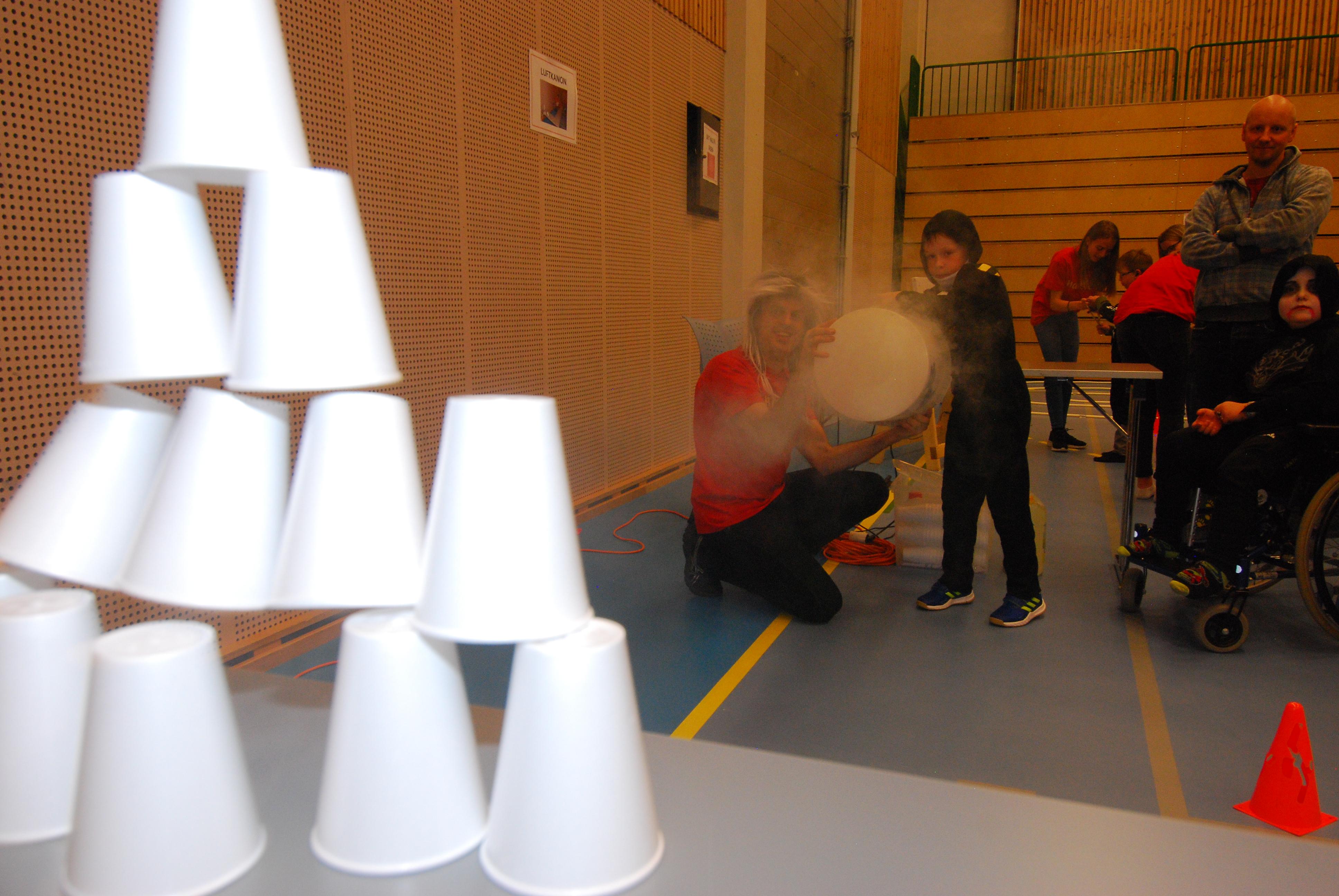 Luftkanon og isoporbeger