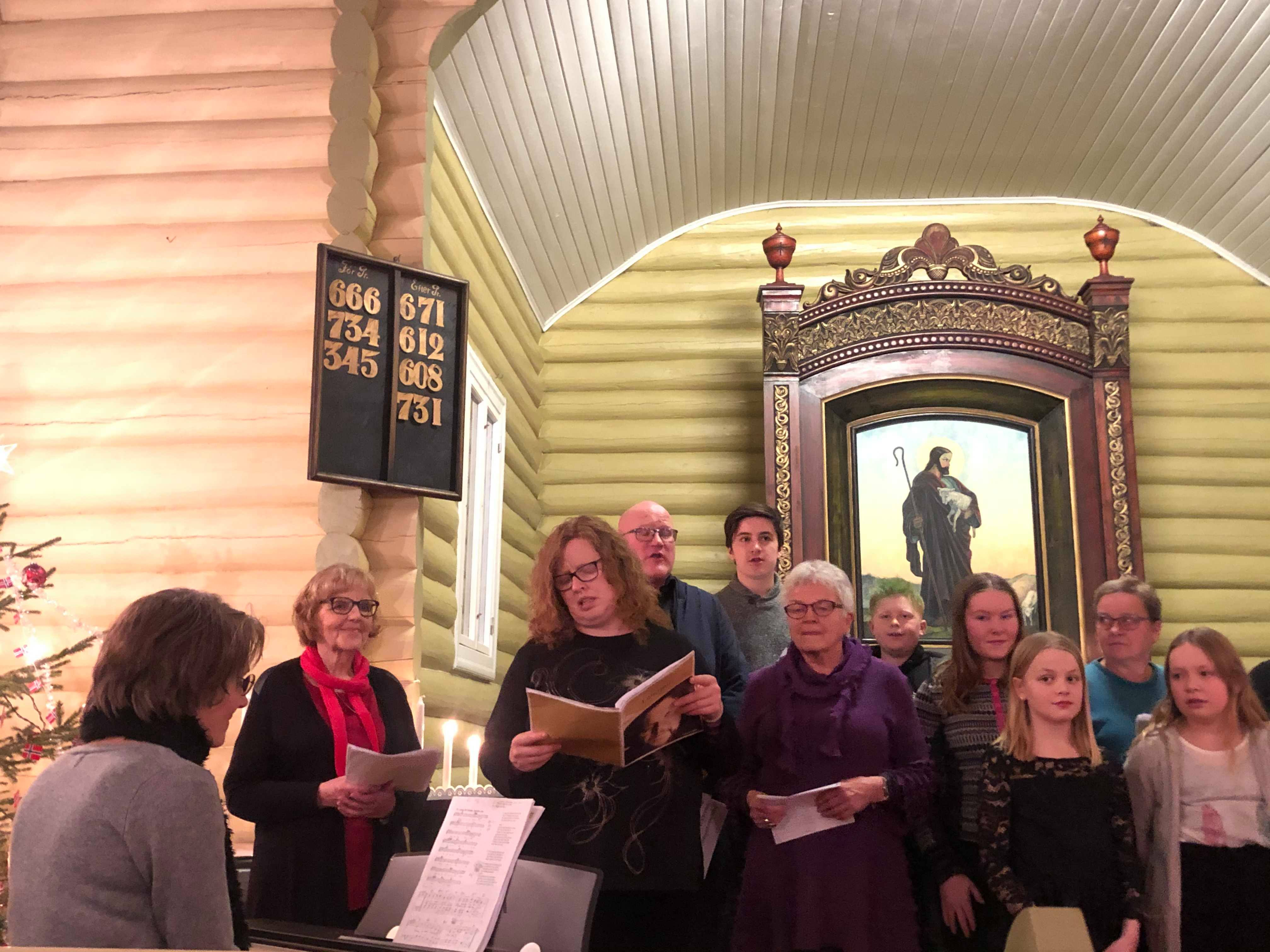 Hodalen kirke i desember Foto: G. Jortveit